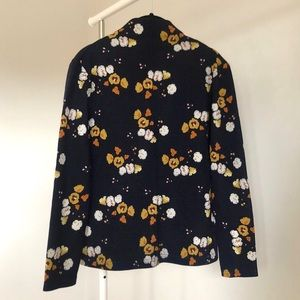 ✨2/$30✨ Mock Neck Navy Sweater with Flower Print